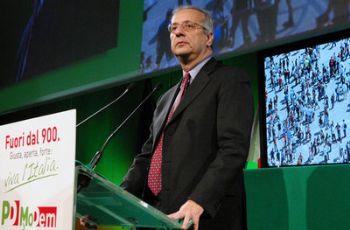 Walter Veltroni al Lingotto (Imagoeconomica)