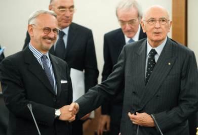 Il vicepresidente del Csm, Michele Vietti, con il Capo dello Stato, Giorgio Napolitano (Imagoeconomica)