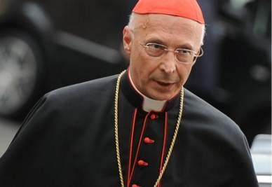 Il presidente della Cei card. Angelo Bagnasco (Imagoeconomica)