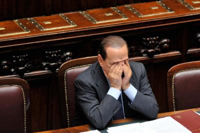 berlusconi_camera_preoccupatoR400_4ott10.jpg