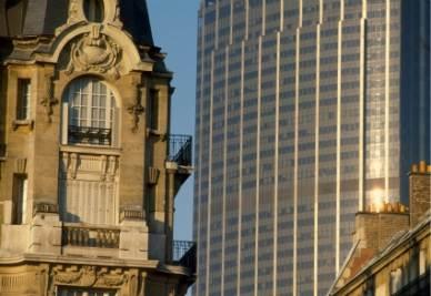Antico e moderno a Parigi (Imagoeconomica)