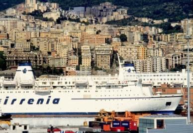Genova, il porto (Imagoeconomica)