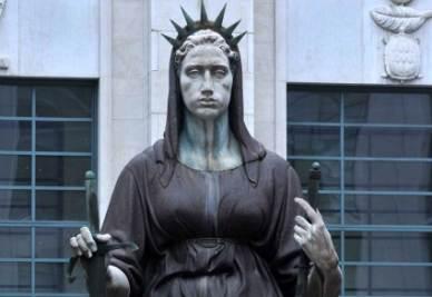 La statua della Giustizia (Foto: IMAGOECONOMICA)