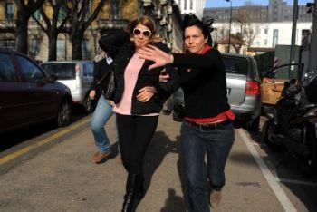 Nadia Macrì al suo arrivo in procura a Milano, foto Ansa