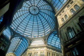 Napoli, la galleria Umberto I (Imagoeconomica)