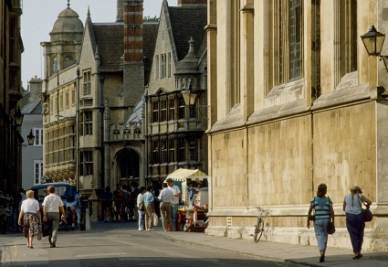 Scorcio dell'Università di Oxford, UK (Imagoeconomica)