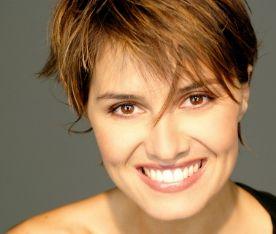 Paola Cortellesi debutta come conduttrice di Zelig