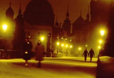 Sul Ponte Carlo, a Praga (Imagoeconomica)