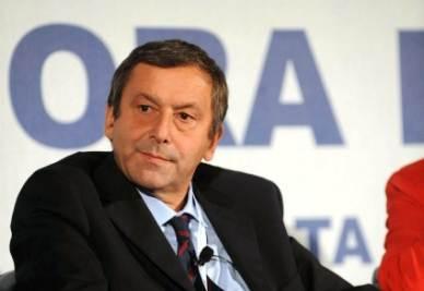 Il ministro dell'Istruzione Francesco Profumo (Imagoeconomica)