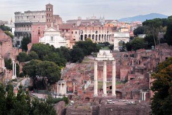 Roma, il foro (Imagoeconomica)