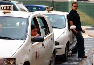 La protesta dei tassisti a Roma (Imagoeconomica)