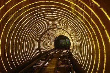 tunnelmanica_R400.jpg