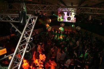 L'interno della discoteca West Balkan
