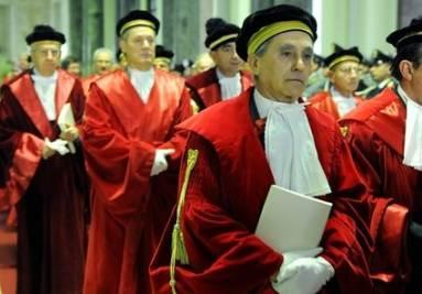 Giudici e Avvocati (Infophoto)