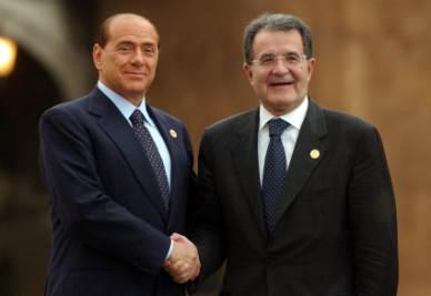 Silvio Berlusconi e Romano Prodi (Infophoto)