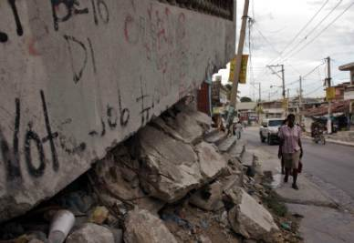 Haiti after the earthquake  (Infophoto)