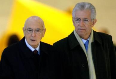 Giorgio Napolitano e Mario Monti (Foto: Infophoto)