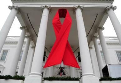 Il nastro rosso anti-Aids