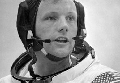Neil Armstrong nel 1969 (InfoPhoto)