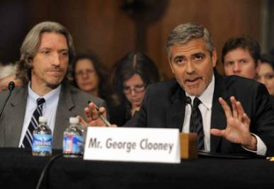 Clooney denuncia i crimini in Sudan, foto Infophoto