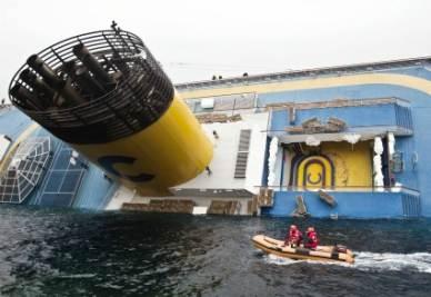Grillo commenta il naufragio della Costa Concordia