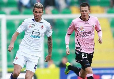 Valon Behrami e Josip Ilicic a confronto nella partita di andata (INFOPHOTO)