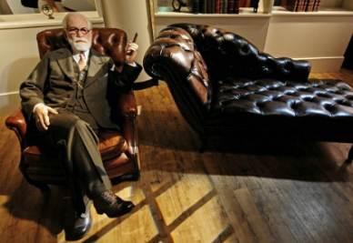 Sigmund Freud, nella ricostruzione del Museo delle cere di Berlino, foto InfoPhoto