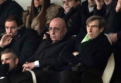 Galliani osserva preoccupato: Paulinho resta uno dei suoi osservati (INFOPHOTO)