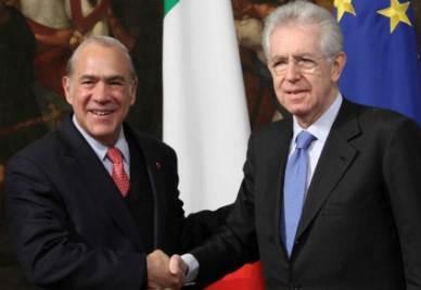 Angel Gurria, segretario generale dell'Ocse, con Mario Monti (InfoPhoto)