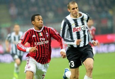 Il duello in testa tra Juventus e Milan è sempre più appassionante (INFOPHOTO)