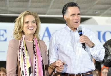 Mitt Romney con la moglie (InfoPhoto)