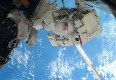 Un astronauta nello spazio (Foto: Infophoto)
