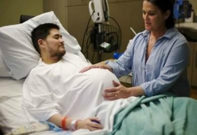 Thomas Beatie, durante una delle sue gravidanze