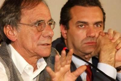 Roberto Vecchioni e il sindaco di Napoli, foto InfoPhoto