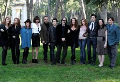 Il cast della serie (Foto InfoPhoto)