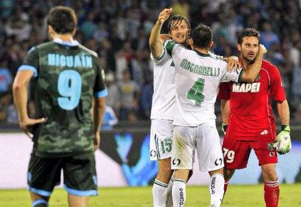 Francesco Acerbi (26 anni) con Francesco Magnanelli (29) e Gianluca Pegolo (33)