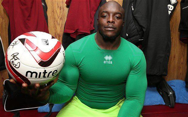 Adebayo Akinfenwa (32 anni) attaccante del Wimbledon