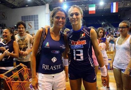 Valentina Arrighetti, 29 anni, con una tifosa