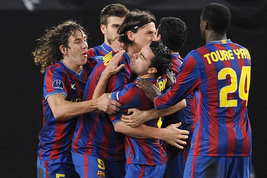 Mucchio Barcellona: il festeggiato è Ibrahimovic, una stagione in blaugrana (Infophoto)