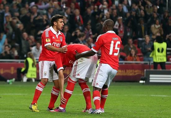 Il Benfica esulta dopo un gol (Infophoto)