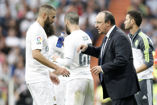 Karim Benzema (sinistra), 27 anni e Rafael Benitez, 55 (INFOPHOTO)