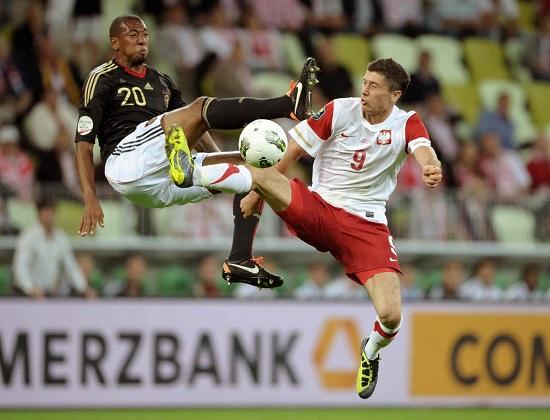 Jerome Boateng e Robert Lewandowski: compagni nel Bayern Monaco, avversari stasera (Infophoto)