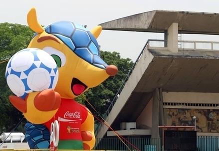 La mascotte dei Mondiali Brasile 2014 (Infophoto)
