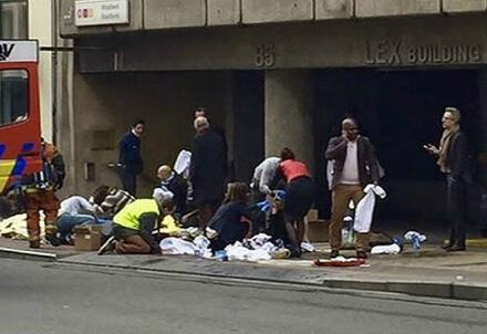 I feriti fuori della metropolitana di Bruxelles