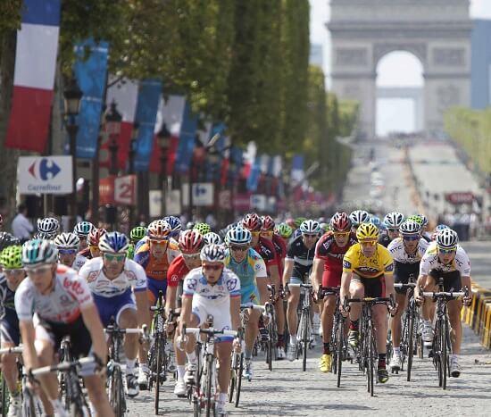 Il Tour de France si conclude oggi ai Campi Elisi (Infophoto)