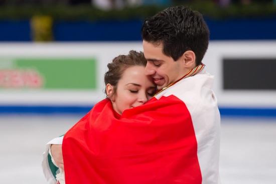 Anna Cappellini (27 anni) e Luca Lanotte (28) festeggiano il titolo europeo (Infophoto)