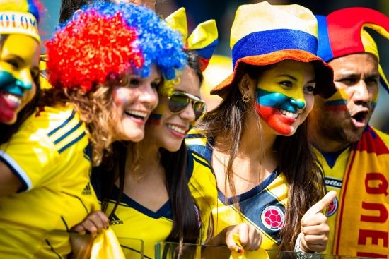 I coloratissimi tifosi della Colombia (Infophoto)