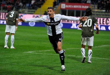 Hernan Crespo, oggi 39 anni, qui con la maglia del Parma