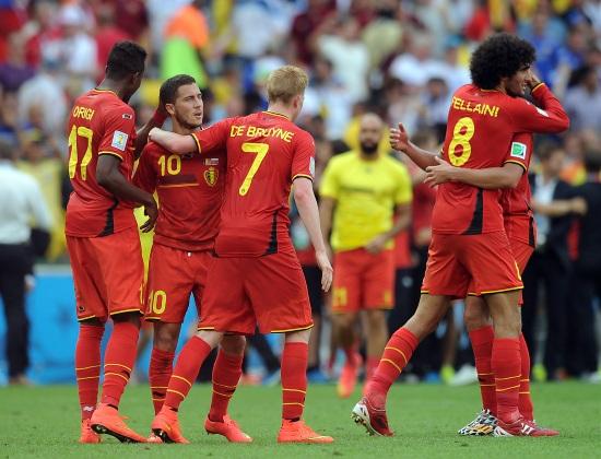 Il Belgio festeggia la qualificazione agli ottavi di finale (Infophoto)
