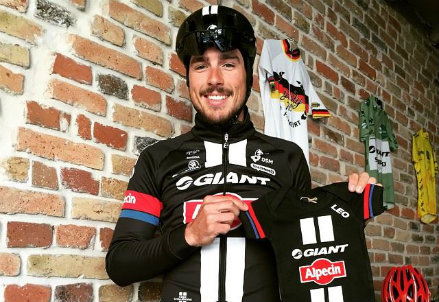 (dall'account facebook.com/johndegenkolb)